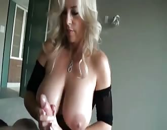 MOM with natural titties getting hammered