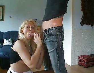 cougar horny broad screwed in the booty
