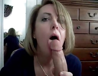 beauty fiance sucking huge cock