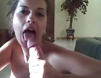 Stacked woman gives sexy suckjob on cam