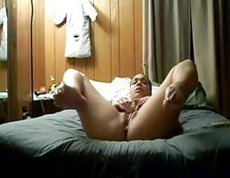 Chubby girl masturbates with her sextoys